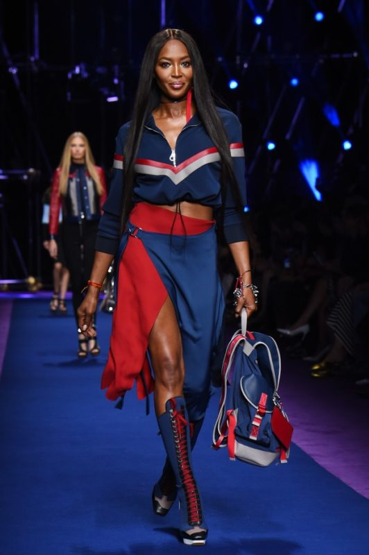 fd3e42d48 MILÃO Fashion Week 2016: VERSACE Primavera/Verão 2017. – Revista Em ...
