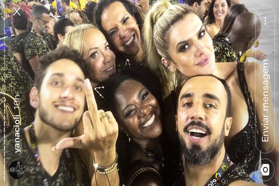 Yan Acioli, Daniel Dziabas, Ana Coutinho, Virna e Mirella Santos