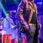 Mano Brown e banda Boogie Naipe