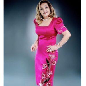 A dama do cerimonial Lourdes Buzaglo