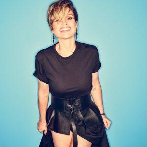 """Aos 45, Flávia Alessandra celebra 30 anos de TV com mais uma protagonista e é a capa da Revista J.P: """"Cultuo meu corpo como um templo"""""""