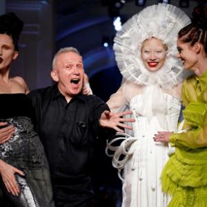 Jean Paul-Gaultier se aposenta aos 67 anos